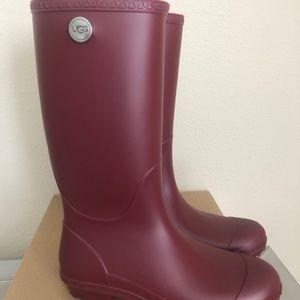 UGG SHELBY MATTE RAIN BOOT GARNET RED SIZE 9